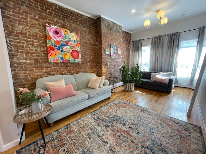 *IDEAL LOCATION *CHIC HOME*7 min to NYC**GROVE ST