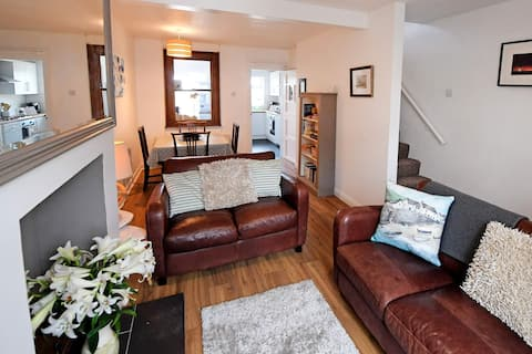 Sea Glass Dog Friendly Holiday Cottage