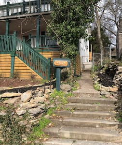 Steps to front entrance