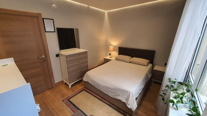 A Deluxe room Great condition, Brand new & Central