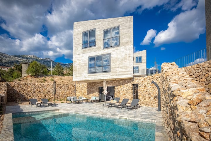 Luxury villa Salt - with private pool and beach