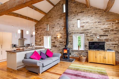 *Crabtree Barn*  country barn with fabulous views