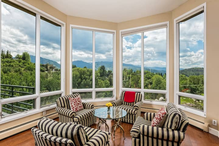 5 Bedroom Red Mountain Home with Amazing Views