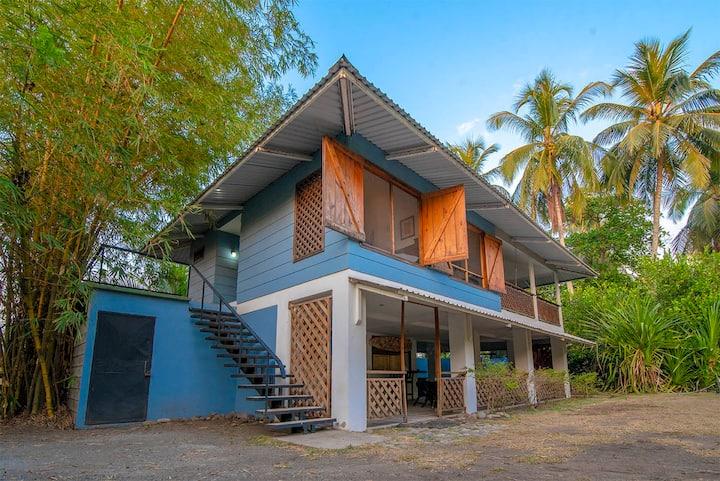 Casa Surf Beachfront