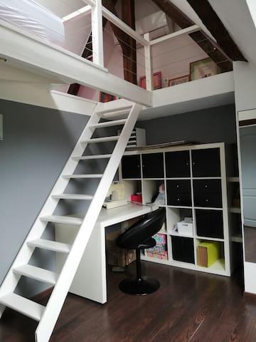 Chambre 4 1 lit sur mezzanine de 90 et 1 lit au sol de 90