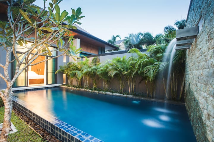 VW1: Onyx Naiharn 1BR Private Pool - Full kitchen