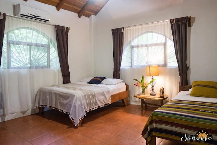 Nosara Sunrise Bed and Breakfast - Sand Room