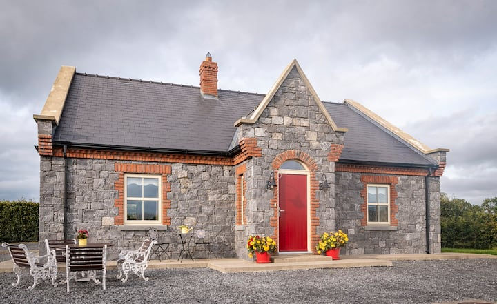 Stone Cottage- 4*approved