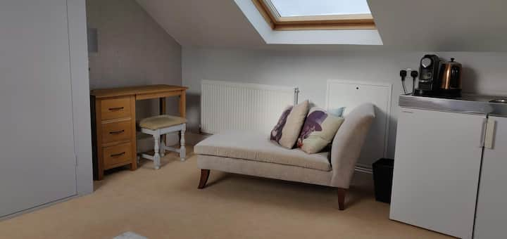 Bright and comfortable 3 bedroom flat