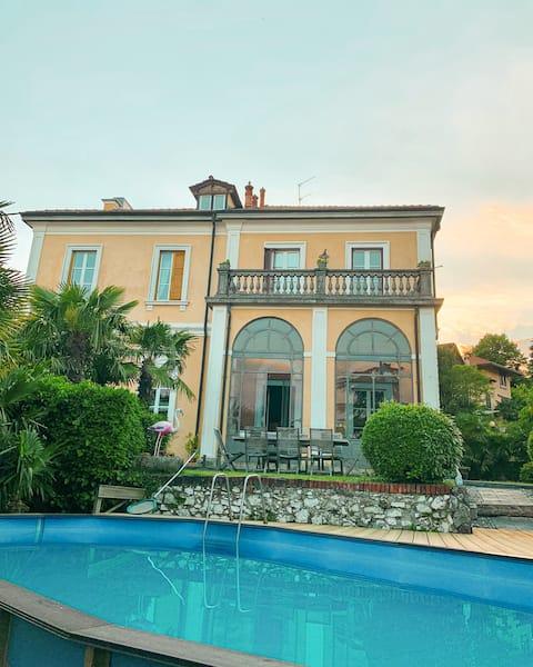 Villa Lavinia - The Purple Room, with terrace