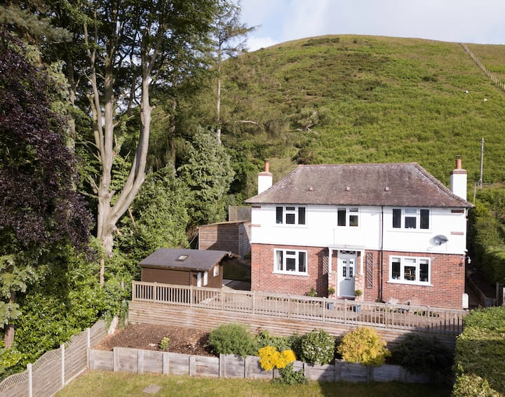 Golf House - Beautiful location with great views