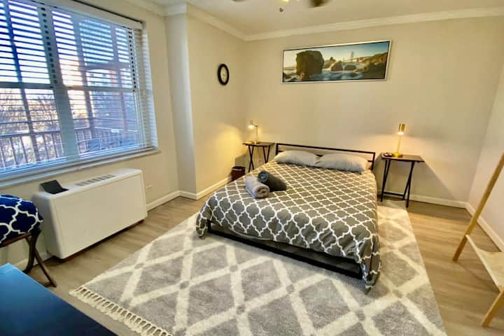 3D CENTRALLY Located in the Heart of Downtown!