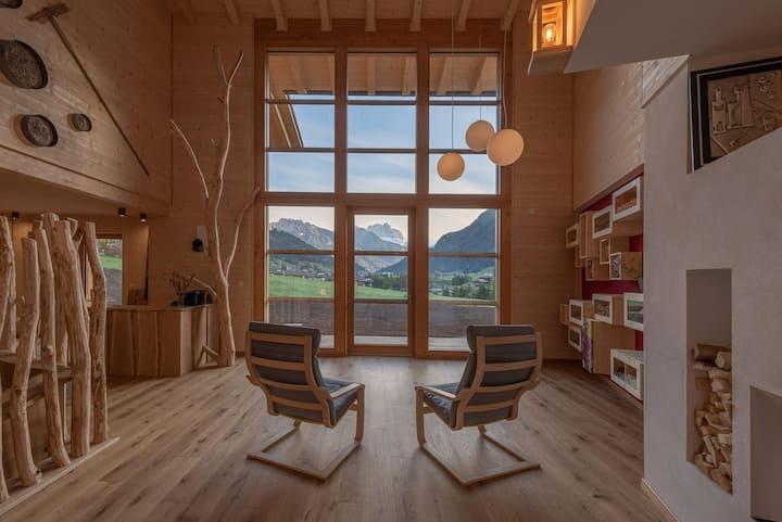 Camera Menta tra i prati delle Dolomiti