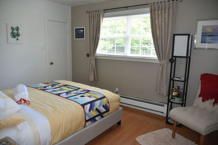 Gardenview Room, used in the event of 3-4 guests only.