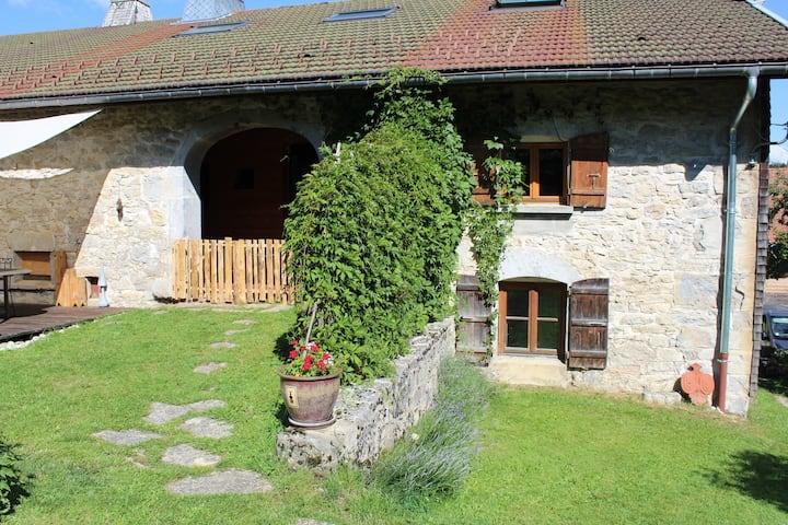 Jolie maison (7 voyageurs)avec cheminée et sauna