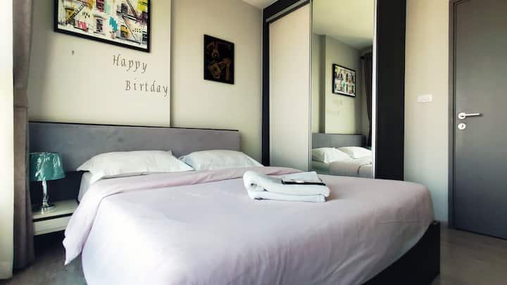 【BASE公寓】超多房源,贴心管家服务,顶楼超美无边泳池,免费行李寄存!