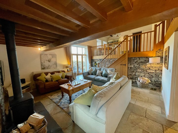 Gorgeous barn & setting, just 10 mins from Bowness