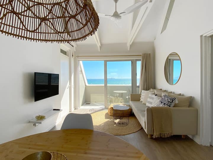 Beautiful apartment on the beach