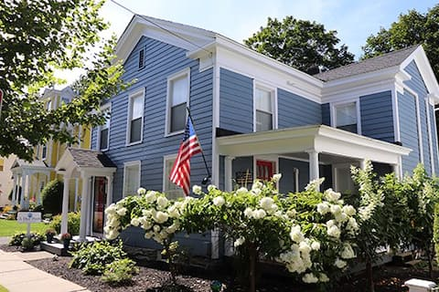 Cooperstown Village 1840Home NewRenov A Blue Pearl