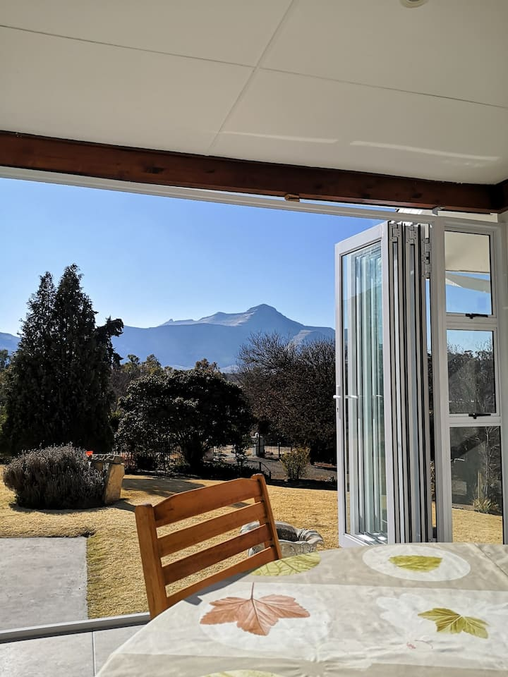 Clarens on Collett house with mountain views