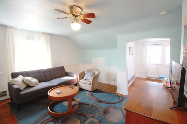 Sky House Apt *7 Minutes to Downtown or Airport*