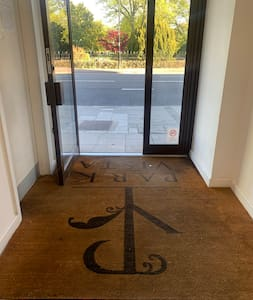 Level entrance to main door
