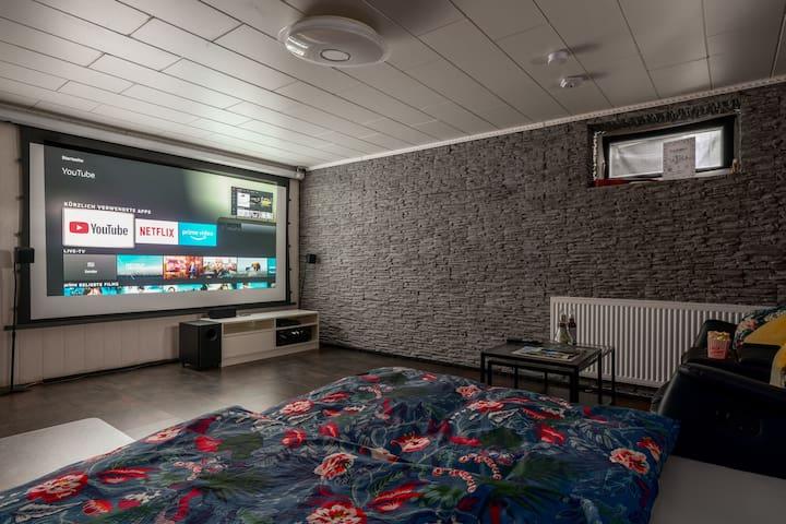 Heimkino mit Netflix, PS4 und Fire-TV