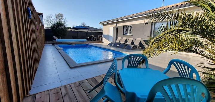 Villa familiale climatisée avec piscine chauffée