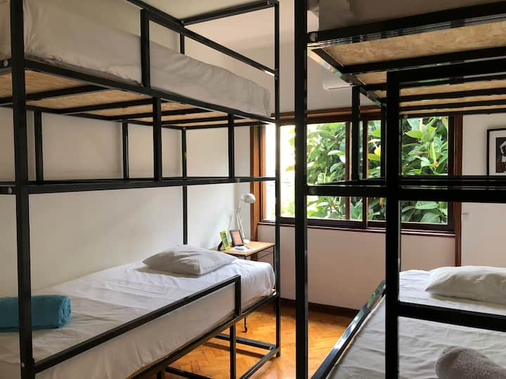 Casa Universo 4- Cozy Dorm in the City