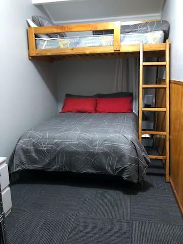 Room 5a / 5B