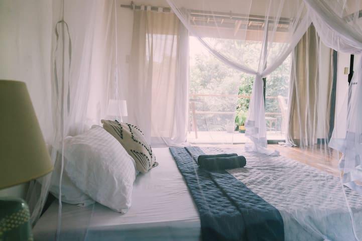 Eden's Gorgeous Sun Bedroom 2