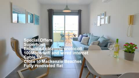 Blu Mackenzie One Bedroom Flat Hosts 4
