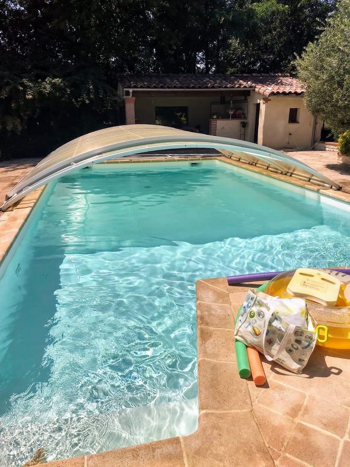 Chambre particulière avec piscine