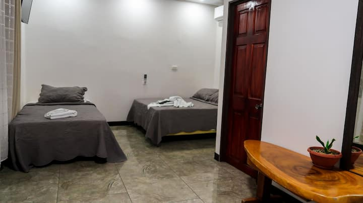 Habitación cuádruple Hotel Hoja de Oro #9