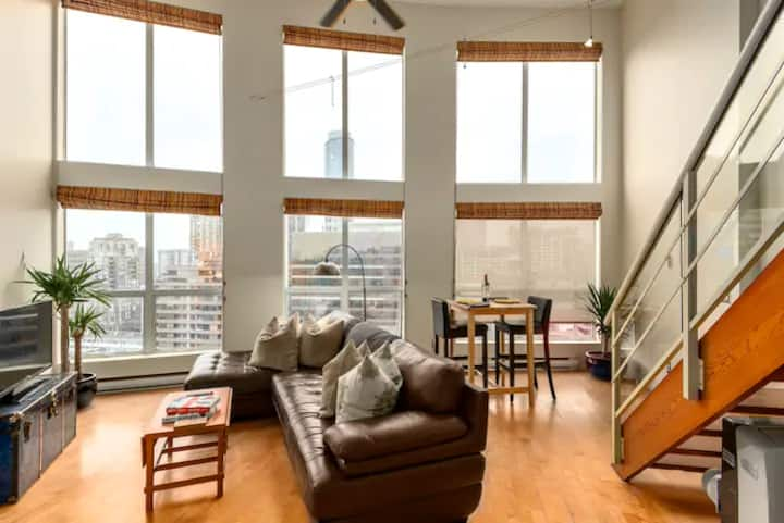 Discount: ♥ of downtown loft w parking & roof deck
