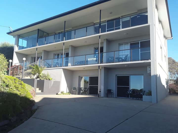 Narooma Golfers Lodge ground floor unit 1