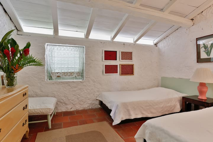 Junior bedroom 4, located in the service area