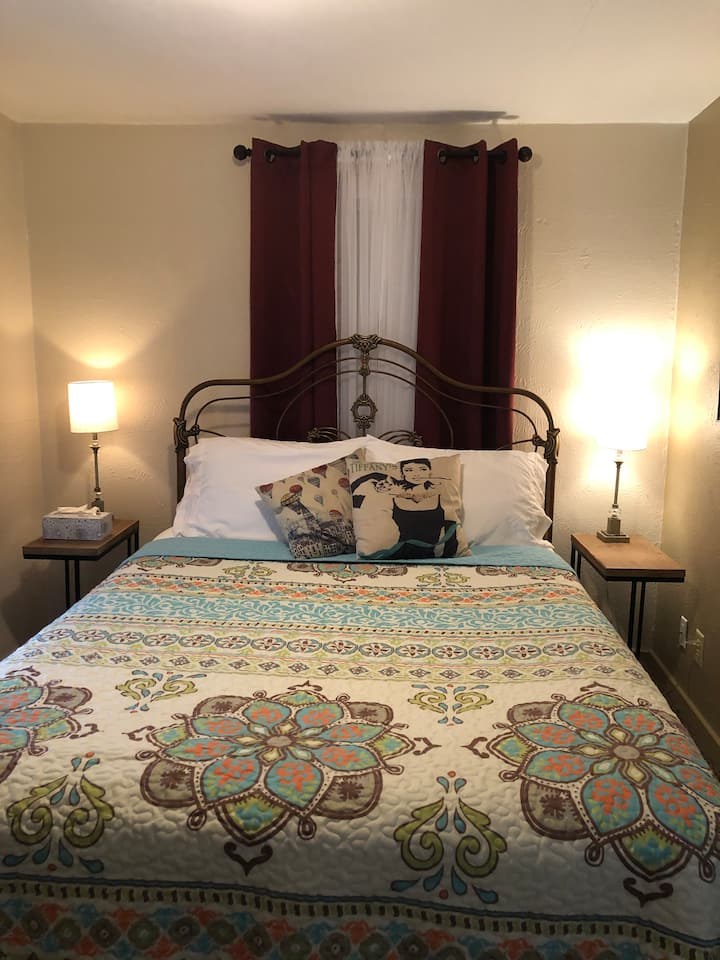 Cozy Apartment I-44/Hospital: Ideal Extended Stay