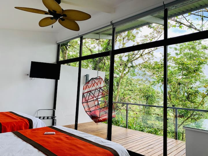 STUNNING VIEWS OF ARENAL @ GUARUMO TREE VILLA