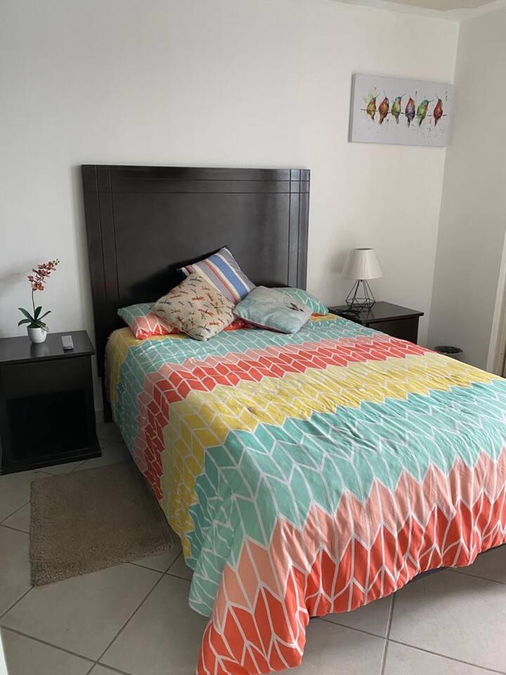 C/FACTURA Segura, cómoda y hermosa casa. WIFI/pets
