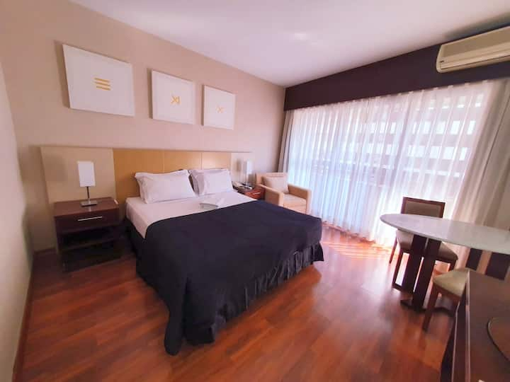 Studio with Jacuzzi 50m away from Palista Avenue