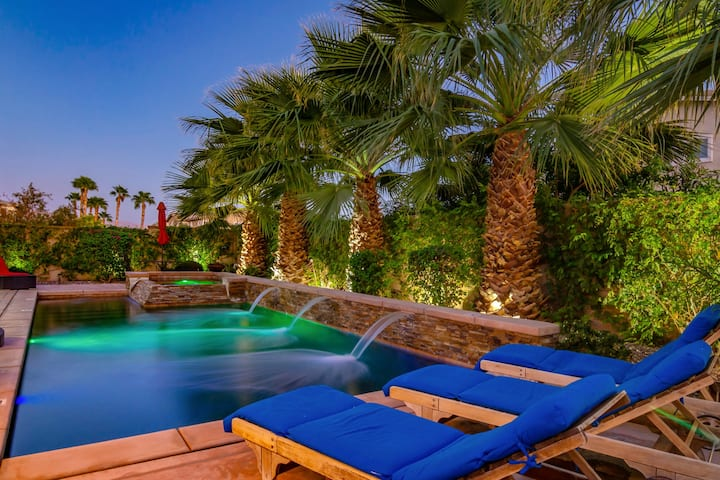 Home Away From Home Oasis 5BR Pool & Spa