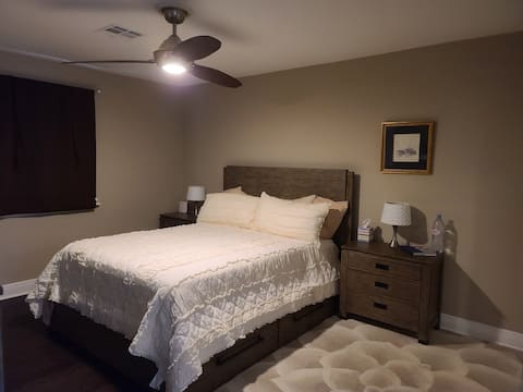 Private Master Queen Bedroom with ensuite bathroom
