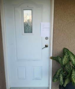 Lối vào phòng không có bậc