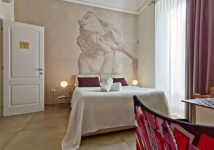 """Love"" Artistic Charming House Center of Caserta"""