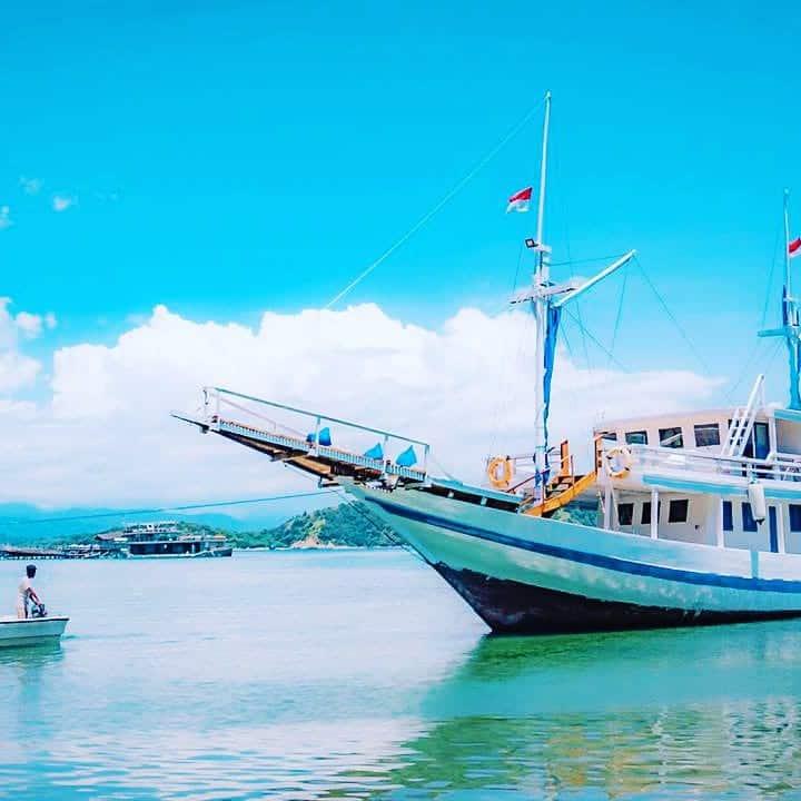 Open trip Komodo Phinisi Boat setiap akhir pekan