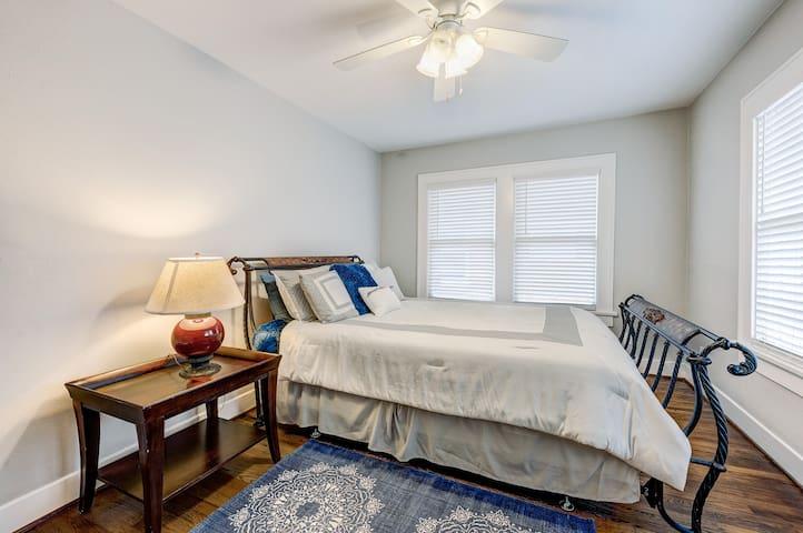 Third Bedroom has a queen bed.