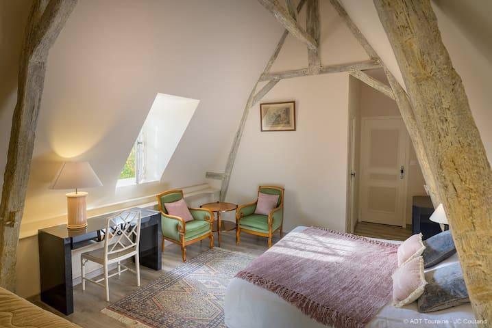 Chambre le Pigeonnier ADT Touraine - JC Coutand