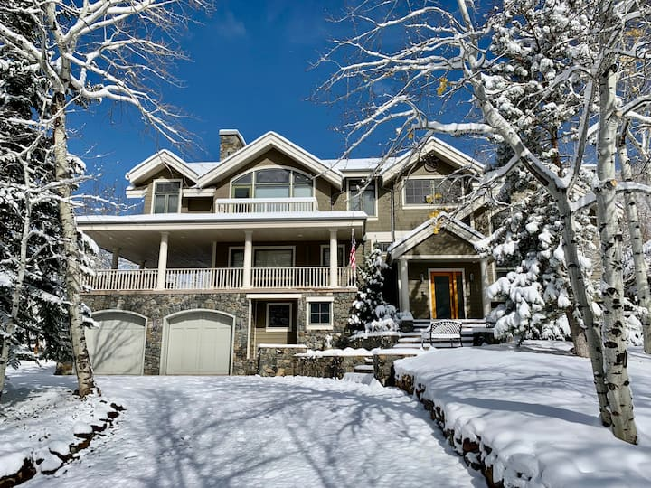 4BR Magnificent Aspen home 2 minutes from downtown
