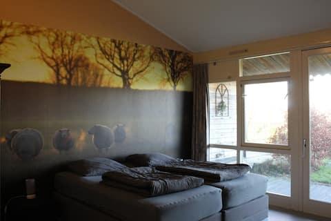Rolstoeltoegankelijk-appartement 'Lotje'